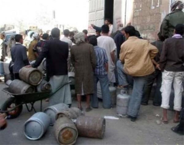 تقرير صادم يكشف عن اكبر عملية نهب للغاز المنزلي يقوم بها الحوثيين في صنعاء وبقية المحافظات الواقعة تحت سيطرتهم