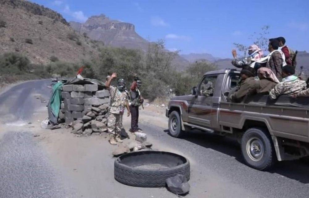 ورد الآن : فرار جماعي لعناصر ميليشيات الحوثي من جبهة دمت والجماعة تنصب نقاطا للقبض عليهم
