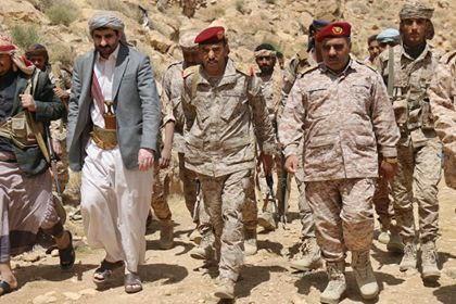 محافظ صنعاء اللواء الشريف يتفقد أبطال الجيش الوطني في جبهة نهم