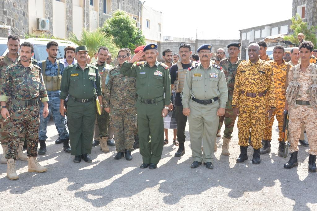 عدن| وكيلا وزارة الداخلية يتفقدان سير العمل في إدارة الأمن