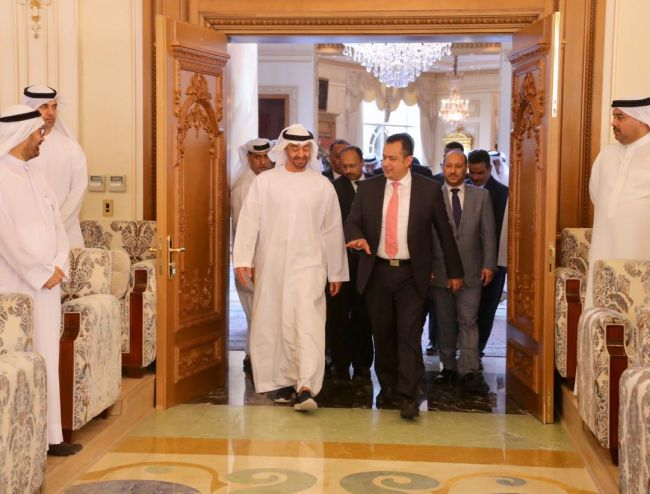 رئيس الوزراء يناقش خطط الحكومة المبذولة للتعافي الاقتصادي مع ولي عهد ابوظبي