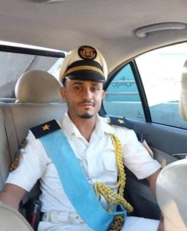 لأنه سبقه في الطريق .. مسلح حوثي يقتل الضابط شامان في صنعاء